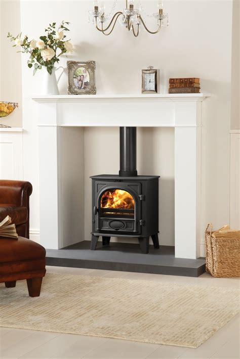 Fireplace Designs For Multi Fuel Stoves by 25 Best Ideas About Log Burner Fireplace On