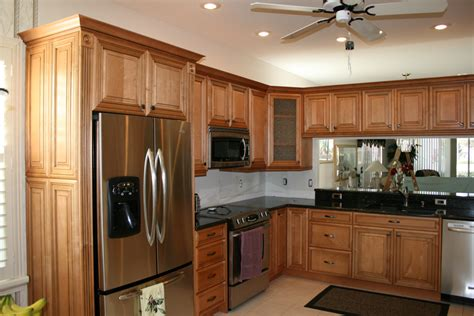 honey cabinets kitchen honey maple kitchen cabinets honey maple kitchen