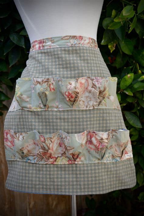pattern for egg apron egg collecting apron egg gathering apron shabby by