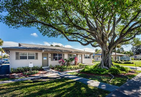 Cottage Cove cushman wakefield negotiates 50m sale of cottage cove apartments meyer media