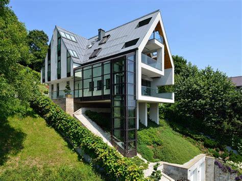 house plans for sloped land houses on sloped lots houses built on slopes foundation