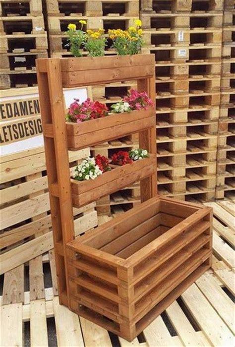 vertical gardens made of wooden pallets 1 vertical