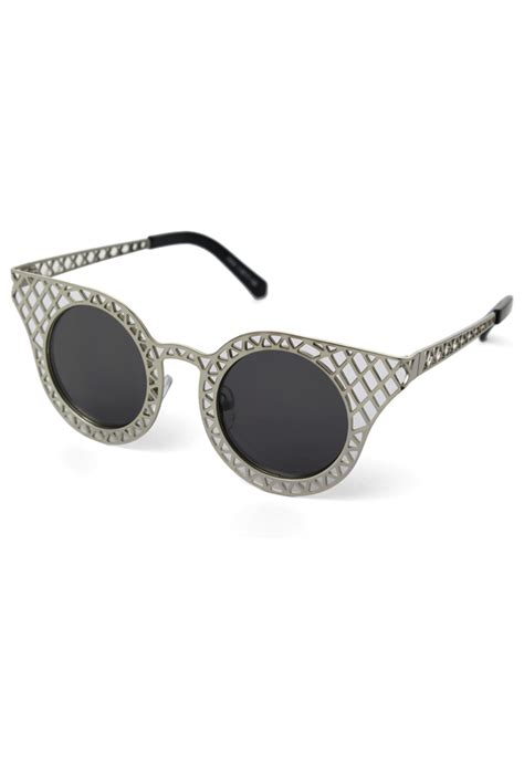 Cutout Tip Sunglasses cut out metal frame cat eye sunglasses retro and