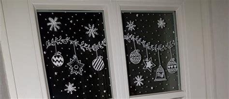 fensterdeko weihnachten kreidestift weihnachtliche fensterbilder mit kreidestift