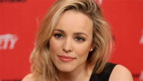 hispanics with the rachel haircut rachel mcadams hair is now red what do you think photo