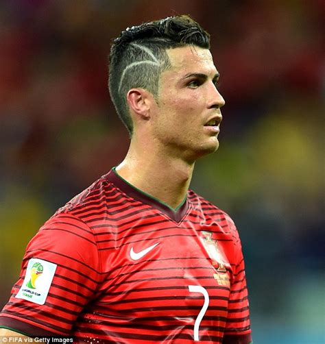 alexis sanchez kapsel was cristiano ronaldo s new zig zag haircut a tribute to a