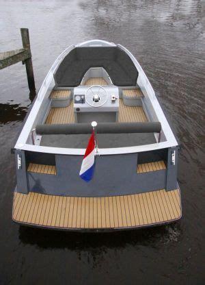 aluminium boot met inboard motor 68 beste afbeeldingen over sloepen en tenders op pinterest