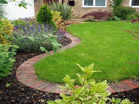 Brick Garden Edging Ideas Home Small Garden Ideas On Pinterest Courtyard Gardens Small Gardens And Lawn