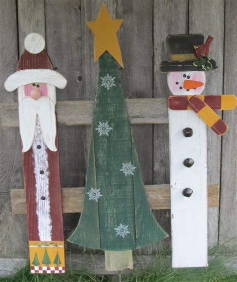 ideas for decorating iron fence posts for christmas 17 best images about yard stakes on