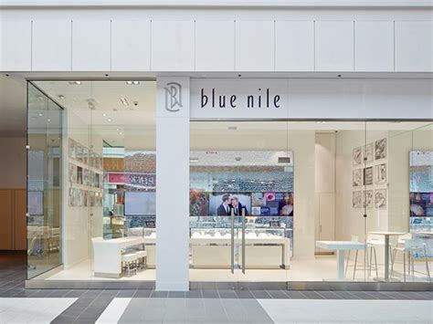jewelry retailer continues mall expansion with