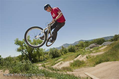 bmx dirt jumps backyard 100 bmx dirt jumps backyard pat casey foxracing com 12films u201cshovelin u201d