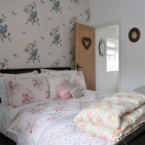 5 simple steps to vintage style bedroom real homes vintage style victorian house ideal home