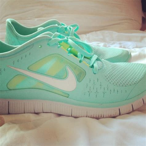 mint green nike sneakers 503 backend fetch failed