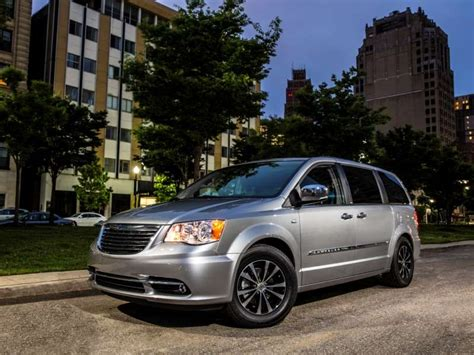 Chrysler Town And Country Rebates by New Car Rebates And Incentives November 14 2013