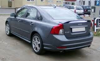 Volvo S40 2 4 Fuel Consumption Volvo S40 2 0 2008 Auto Images And Specification