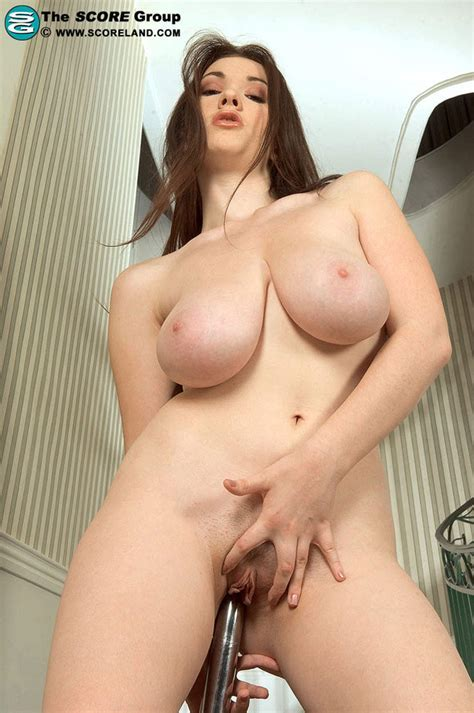 Anna Song Gets Naked And Plays With Dildo Pichunter