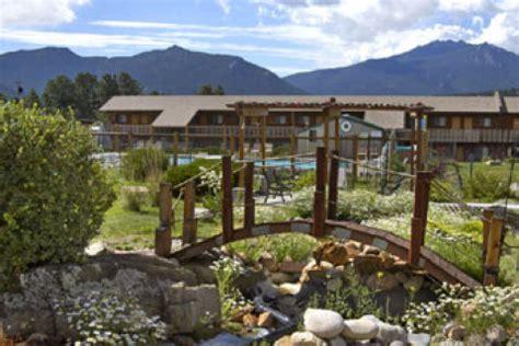 estes park hotel | estes park travelodge inn & suites