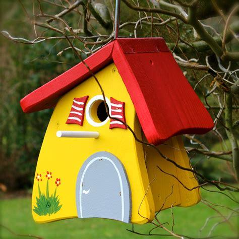 Bunte Vogelhäuser Bauanleitung by Pin Vogelhaus Nistkasten Vogelvilla Vogelh 228 Uschen Holz