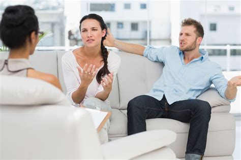 Couples Therapy How To Choose A Couples Therapist Learn What