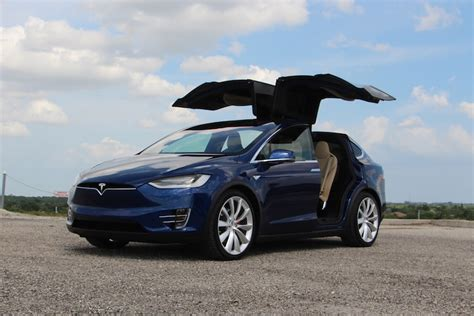 100 Suv Tesla Blue Tesla Model X P90d Is The