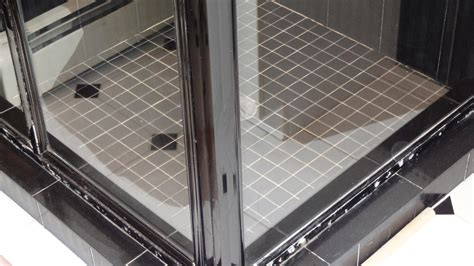 how to clean soap scum from glass shower doors removing soap scum from glass shower doors
