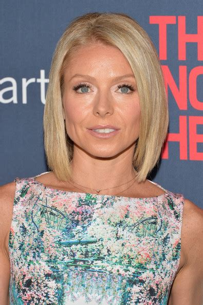 ripa new hairstyle kelly ripa mid length bob mid length bob lookbook