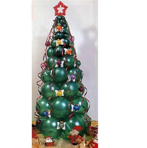 como hacer un pino de globos c 243 mo decorar 225 rboles de navidad diferentes