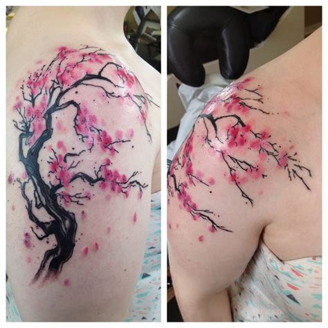 cherry blossom watercolor tattoo 25 best ideas about watercolor shoulder on