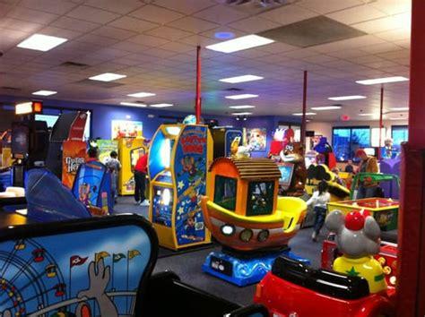 chuck e cheese arcades kingston on photos yelp