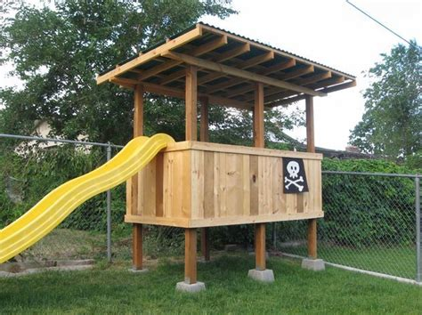 Backyard Play Forts by Best 25 Backyard Fort Ideas On Diy Tree House