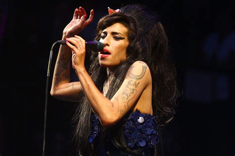 house music 2008 hits amy winehouse makes live comeback in brazil nme