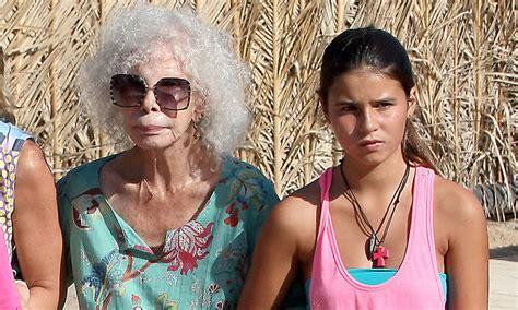 la hija de cayetana 8467047739 cayetana rivera una nieta especial para la duquesa de alba
