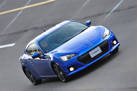 subaru sports car brz 2013 subaru brz sports car comes offering unique driving
