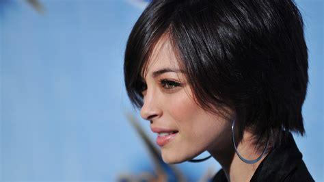 movie actresses short hairstyles full hd wallpaper kristin kreuk short hair actress