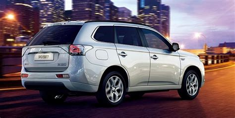2015 mitsubishi outlander 2015 mitsubishi outlander information and photos