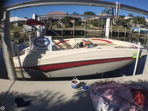 boat radio near me best 25 deck boats ideas on pinterest pontoon boating