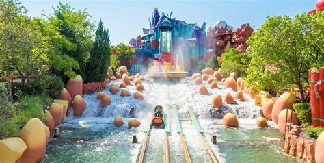 theme park blog where to stay in orlando popular theme park attraction