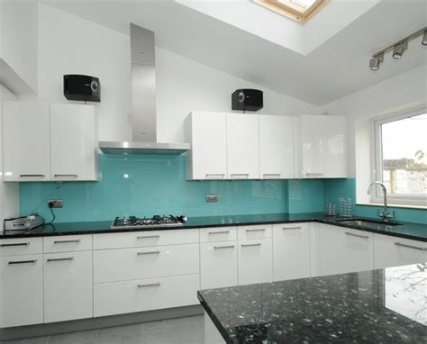 kitchen glass splashback ideas best 20 turquoise glass ideas on pinterest antique