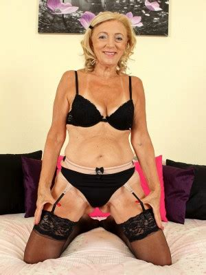 models over 65 65 year old kamilla from allover30 proving that old girls