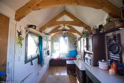 Massachusetts Student Sarah Hastings Has Been Told Home Is Ti And Tiny House In Atlanta Address