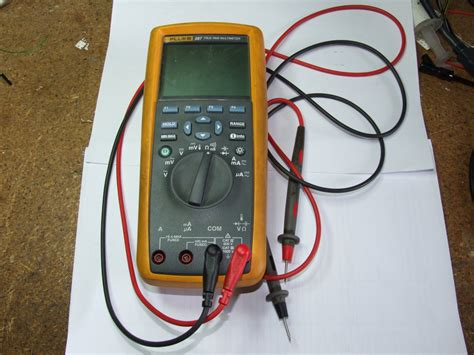 Multimeter Fluke 189 color osciloscope scopemeter fluke usescience