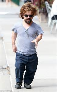 cast of game of thrones midget game of thrones actor peter dinklage on a stroll with wife