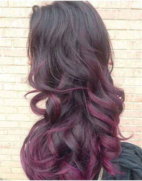 pin cheveux noir et une couleur violet rose au devant pelautscom on un balayage spectaculaire avec des m 232 ches violettes