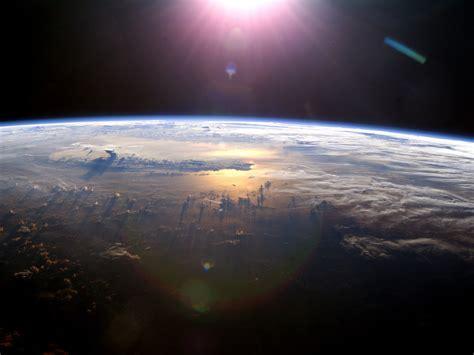 download mp3 coldplay ufo tapeta widok na ziemię z satelity z kosmosu ziemia