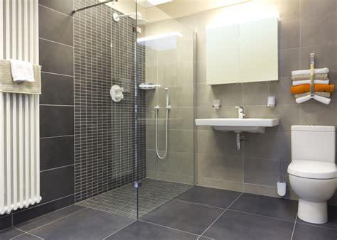 Walk In Bathroom Shower Ideas by Badev 230 Relser Brug For En Murer Til Dit Badev 230 Relse