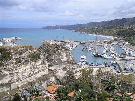 porto tropea porto di tropea viaggi vacanze e turismo turisti per caso