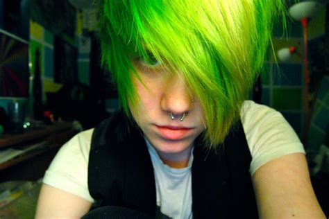 emo culture hairstyles the emo hairstyles for guys best medium hairstyle