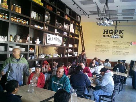 Soul Kitchen Restaurant by M 250 Sico Jon Bon Jovi Cria Restaurante Comunit 225 Sem Pre 231 O