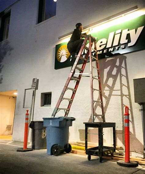 Ladder Meme - clearly never heard of the concept of ladder safety http