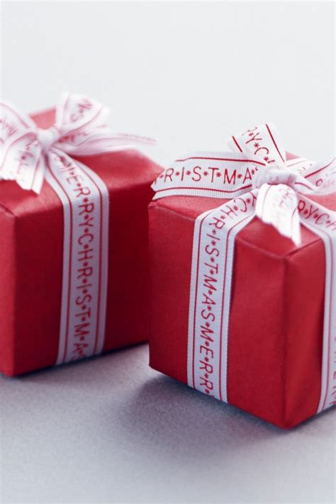 tiny christmas gifts iphone 4 4s ipod wallpaper